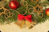 Trang Trí Cây Thông Noel Mẫu Nền Thư